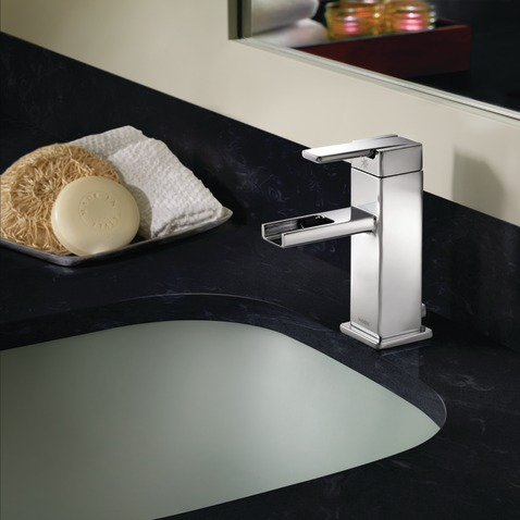 90 Degree Chrome One Handle Open Waterway Bathroom Faucet